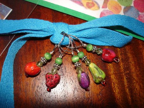 tnn-yarn-swap-v2-tvhc-stitch-markers